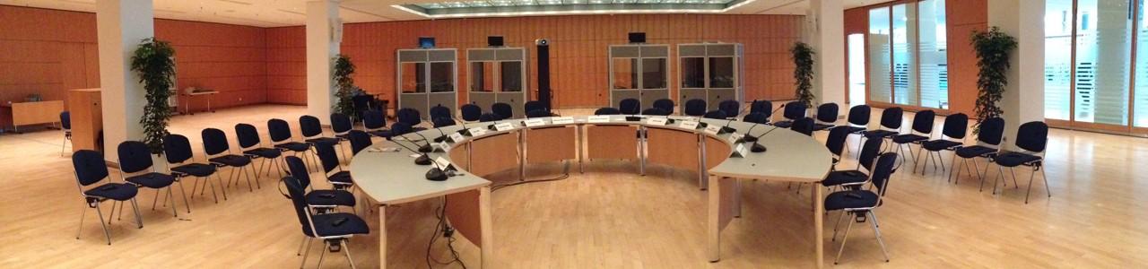 Dolmetschanlagen zur Miete in Berlin. Ellerbrock Konferenztechnik bietet Ihnen die Vermietung von moderner Dolmetschertechnik